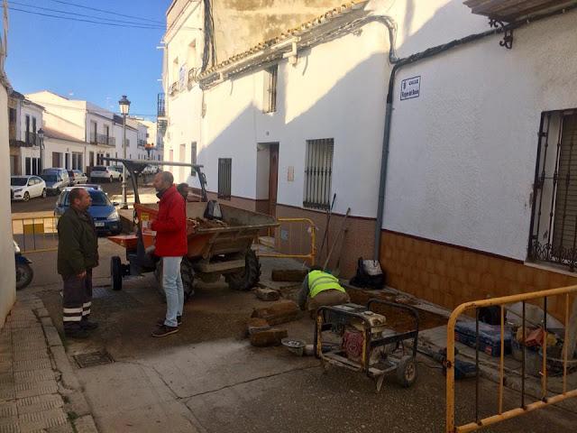 http://www.esvalverde.com/2018/01/mejoras-en-las-calles-de-valverde.html