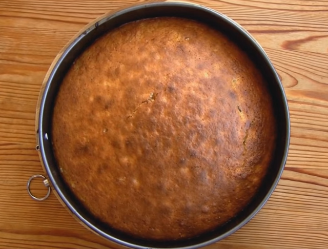Cinnamon and Orange Juice Cake