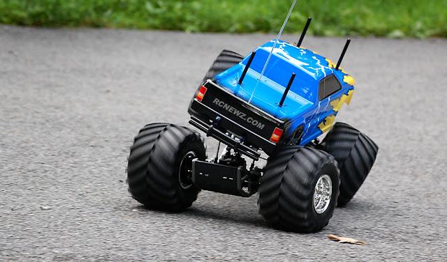 Tamiya TXT-1 chassis flex