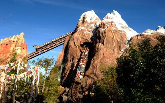 Montanha Russa Expedition Everest na Disney Animal Kingdom