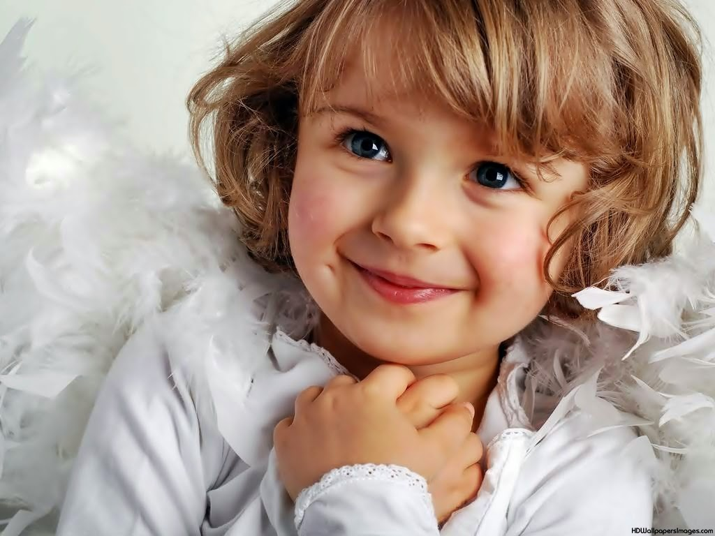 Gambar Anak Kecil Perempuan Yang Lucu