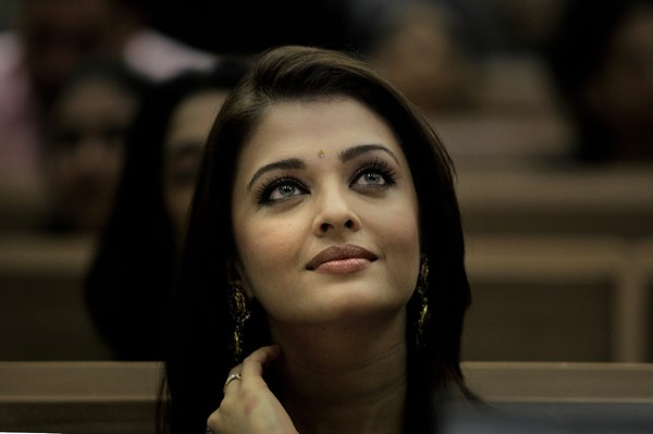 Beautiful Aishwarya Rai Eyes wallpaper