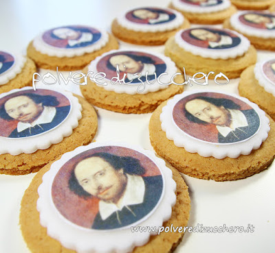 cake design biscotti decorati cookie shakespeare 400 anniversario polvere di zucchero decorating