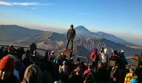 http://www.bromomalang.com/2015/04/penanjakan-1-gunung-bromo.html
