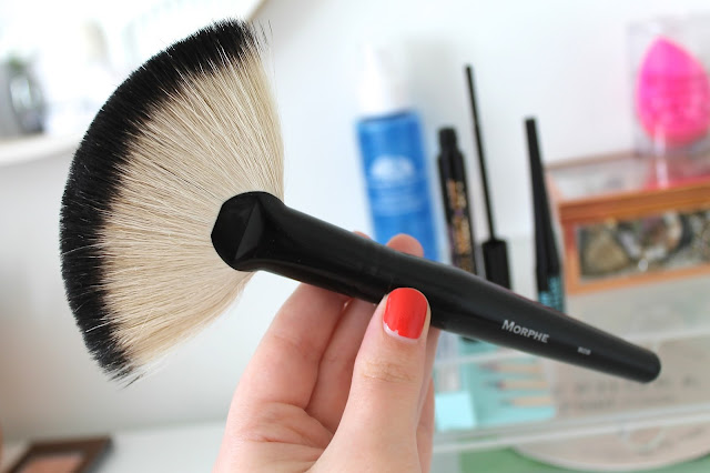 A picture of a Morphe Fan Brush