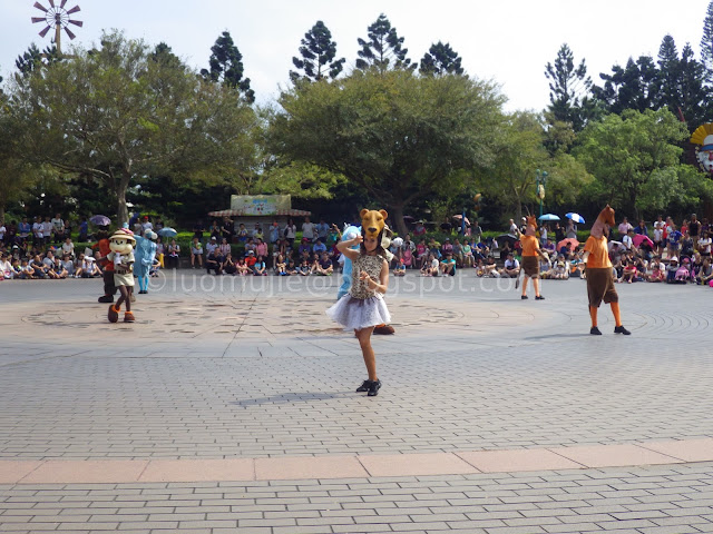 Leofoo Village Theme Park (六福村主題遊樂園)