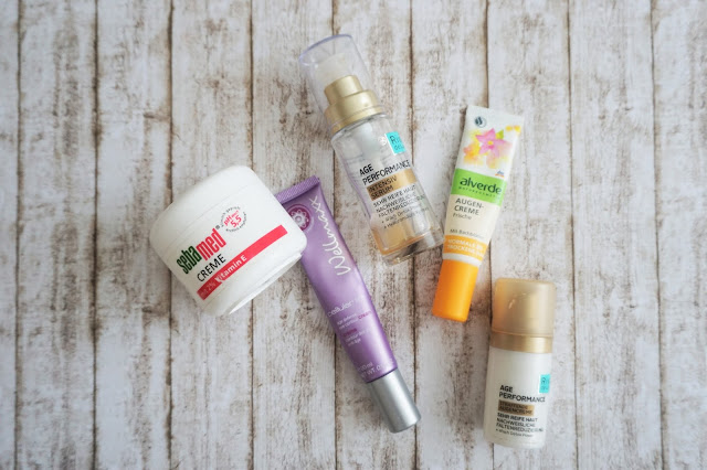 sebamed - Creme mit 2% Vitamin E  Rival de Loop - Age Performance Straffende Augencreme  Wellmaxx - cellular lift age defense eye contour cream  alverde - Augencreme Frische