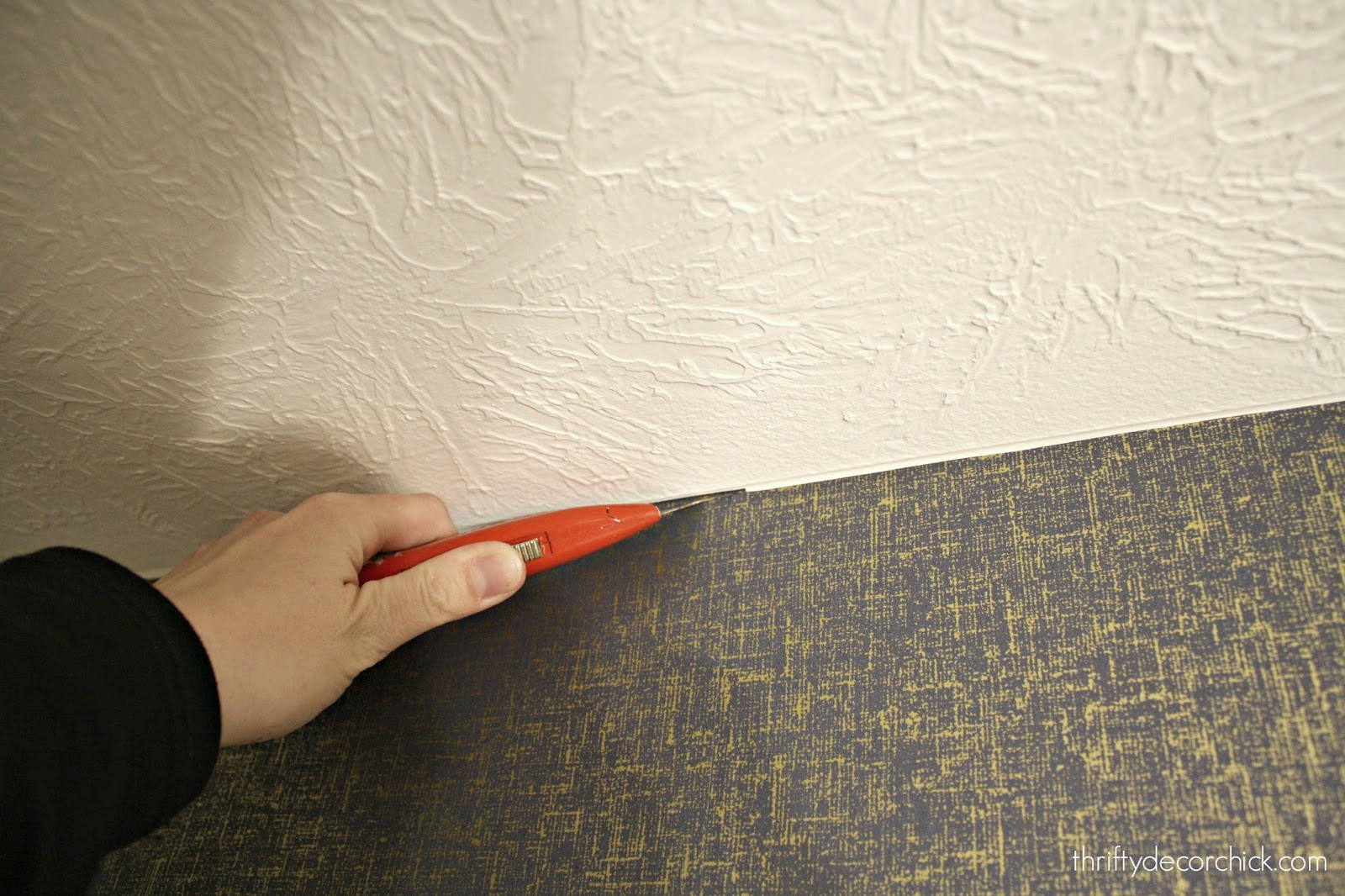 How to clean top of wallpaper
