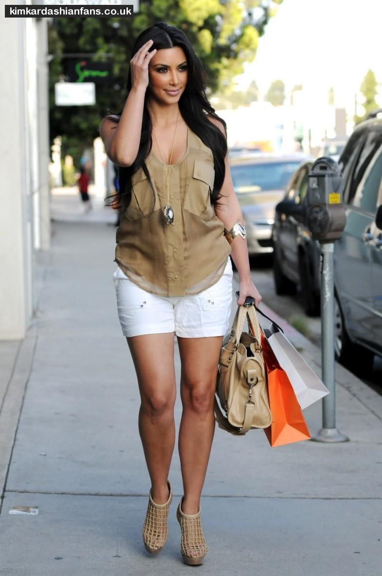 Kim kardashian clothes online