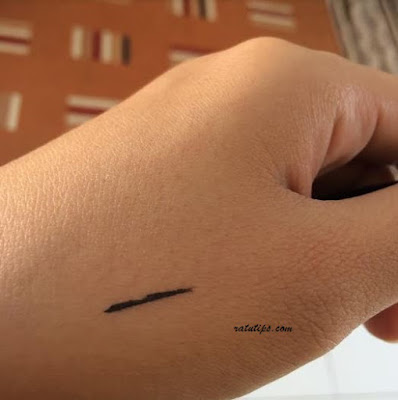 Review Make Over Liquid Eyeliner Black, Bikin Mata Makin Cantik!