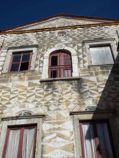dom Krzysztofa Kolumba w Pyrgi Chios pokryty geometrycznymi wzorami tzw. ksista