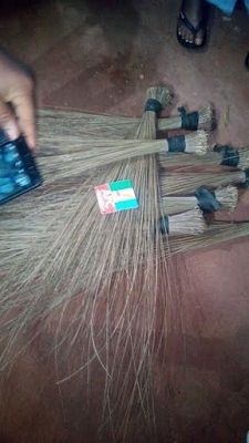 Photos: APC Members In Edo Set Broom Ablaze In Symbolic Defection To PDP