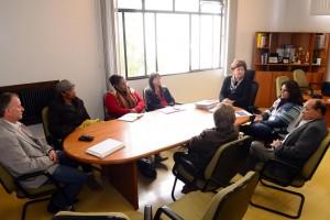 Prefeita dialoga com Sindicato sobre reposição salarial dos servidores