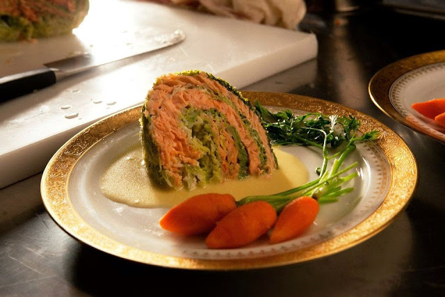 Савойская капуста, фаршированная лососем, из фильма «Повар для президента»