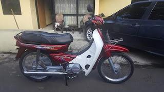 Dijual Koleksi Motor Kakek Honda Grand 1996
