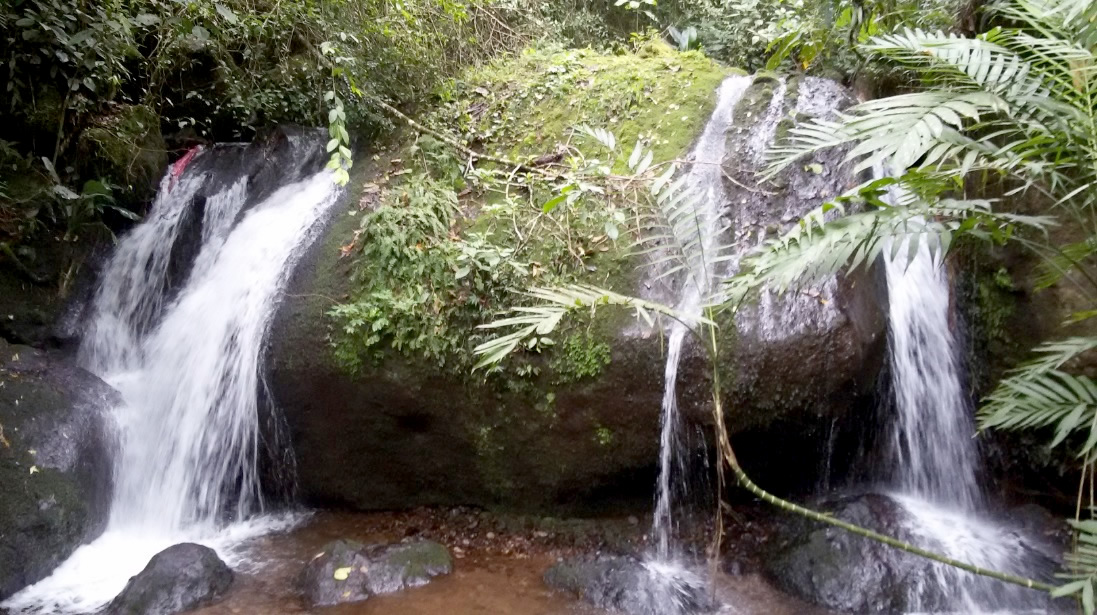 Cascada Macizo de Peñas Blancas