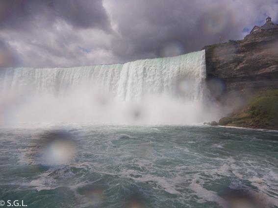 Catarata Horseshoe a bordo del Hornblower. Niagara