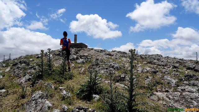 Subida al Pico Terril, techo de Sevilla en la Sierra del Tablón.