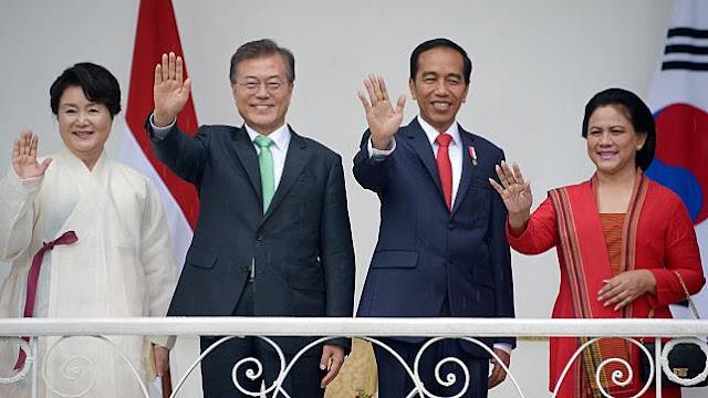 Reaksi Presiden Jokowi! Akibat Diajak Oleh Orang Korea Menggunakan Bahasa Jawa