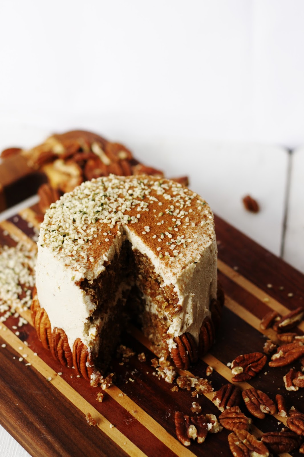 This Rawsome Vegan Life Oat Amp Pecan Cake With Vanilla
