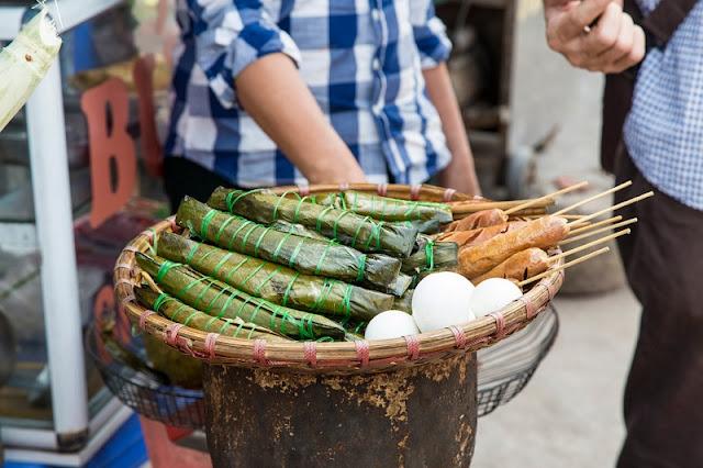 American Reporter Explores Street Food Vietnam 1
