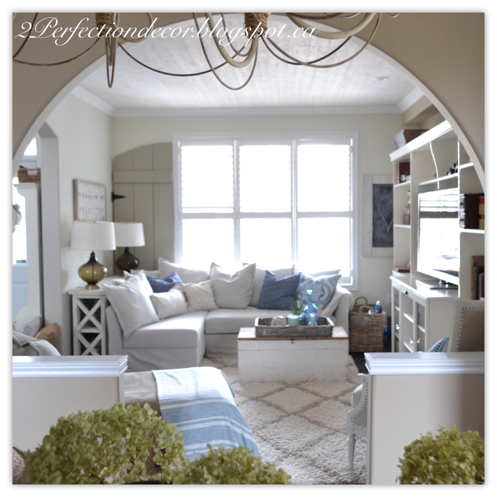 Here You Can See How Arches Open Up Into The Living Room Where Spring Theme Continue If Missed My Post On Decor In Our