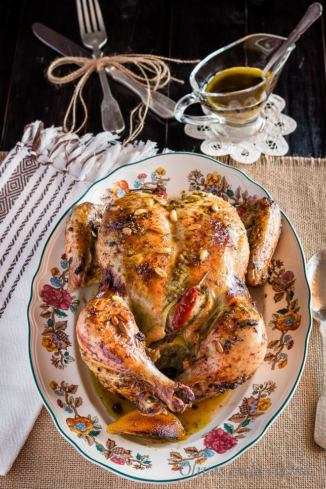 Pollo asado con pesto y limón