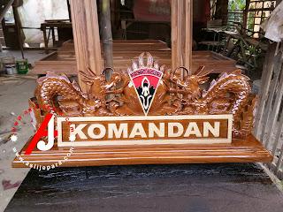 papan nama ukir kayu