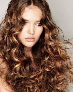 5 produits à moins de 10 Euros à essayer pour la beauté et la définition des boucles (Iherb Haul)