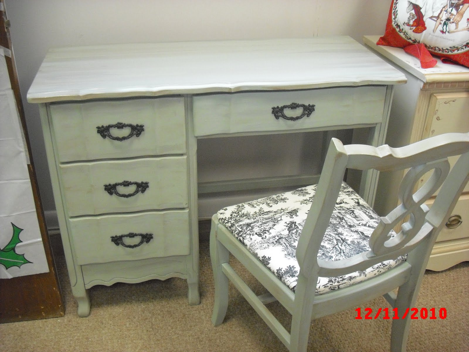 Handpainted Furniture Blog Shabby Chic Vintage Painted Furniture Hand Painted Vintage Desk French Country