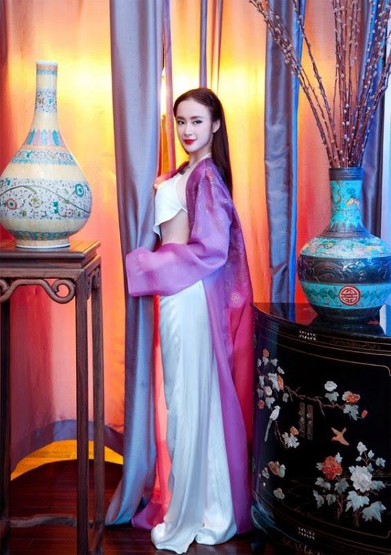 Xứng danh Nữ hoàng thảm đỏ, Angela Phương Trinh lộng lẫy