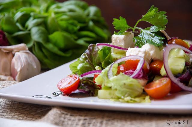 przepis na salatke grecka