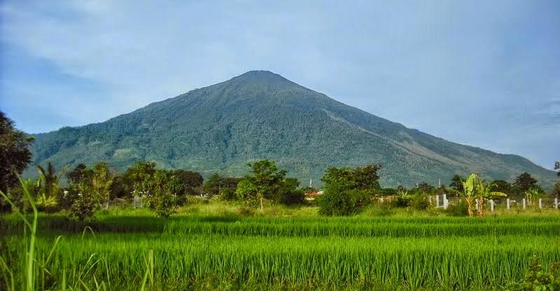 Pengertian Bentuk Ciri Gunung Api Strato Stratovolcano  Gurugeografiid