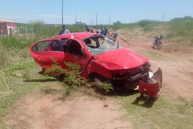 vigilante e namorada morrem em grave acidente em Vila Nova do PI