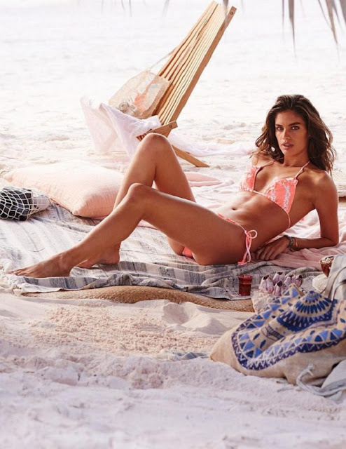 Hot girls Sara Sampaio sexy Victoria's Secrets model 4