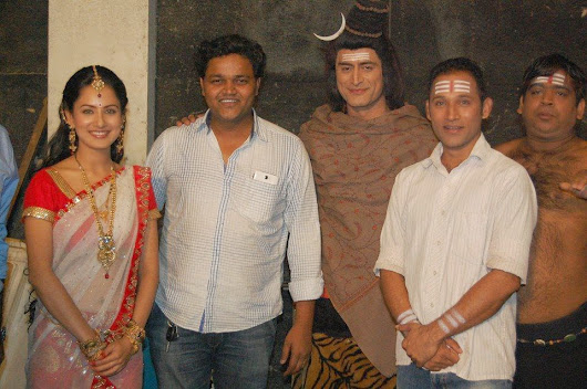 Kundan with Mohit Raina and Pooja Bose