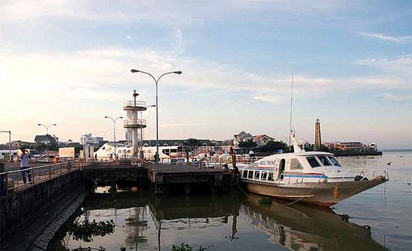 Tổng hợp các kinh nghiệm du lịch Nam Du mới nhất 2016 - Đi ra đảo Nam Du bằng tàu cao tốc.