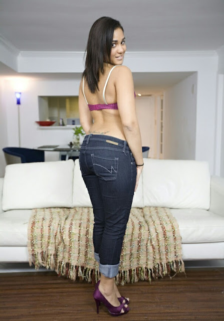 hot indian girl gaand in tight jeans,sexy gaand of desi girls in jeans