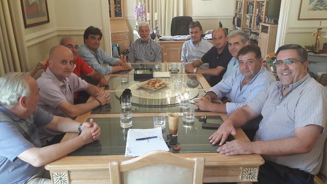 . Συνάντηση του Πέτρου Τατούλη με αντιπροσωπεία της ομάδας του Παναρκαδικού