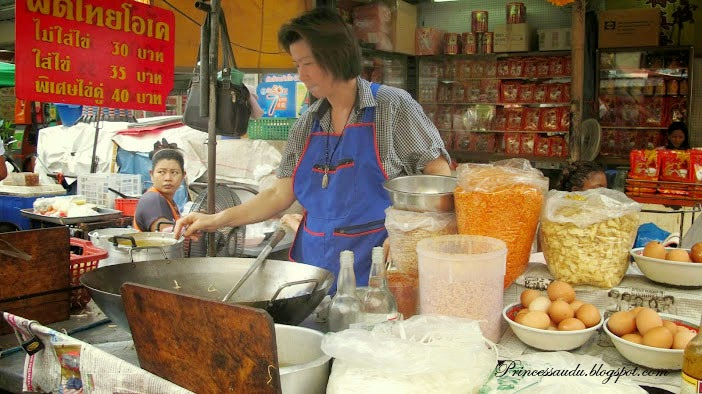 Travel, Thailand, Thai food, Bangkok Thailand, Street Side