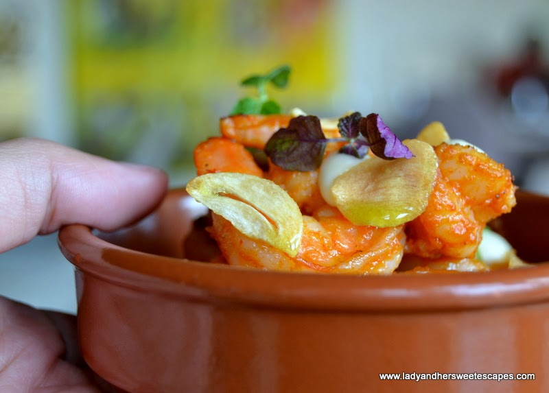 garlic prawns at El Sur Dubai