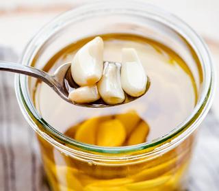 Membuat Minyak Bawang Putih Sebagai obat Infeksi Telinga
