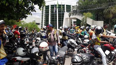 A FOLHA DAS CIDADES: Arcoverde: Mototaxistas protestam e cobram ...