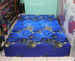 Kasur inoac corak motif bunga tulip biru