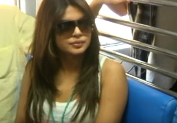 hot priyanka chopra in train