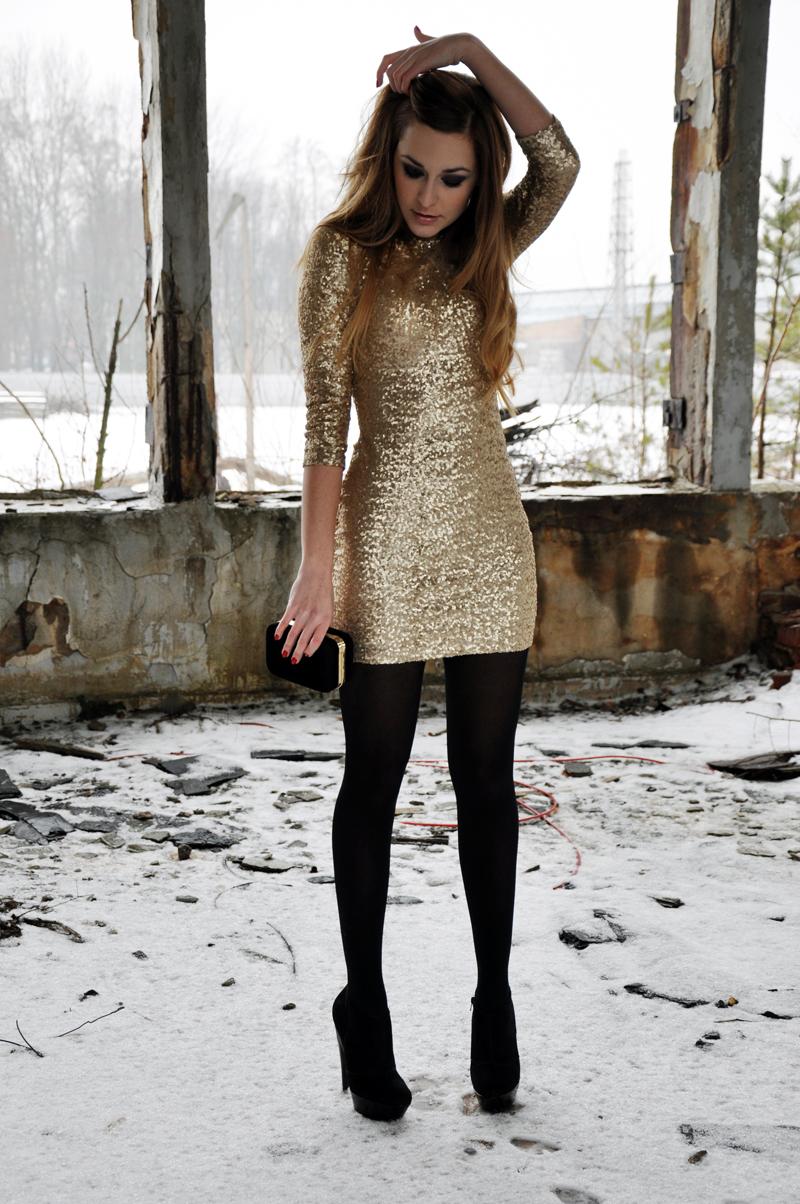 pattern black tights with black dress - 736×1107