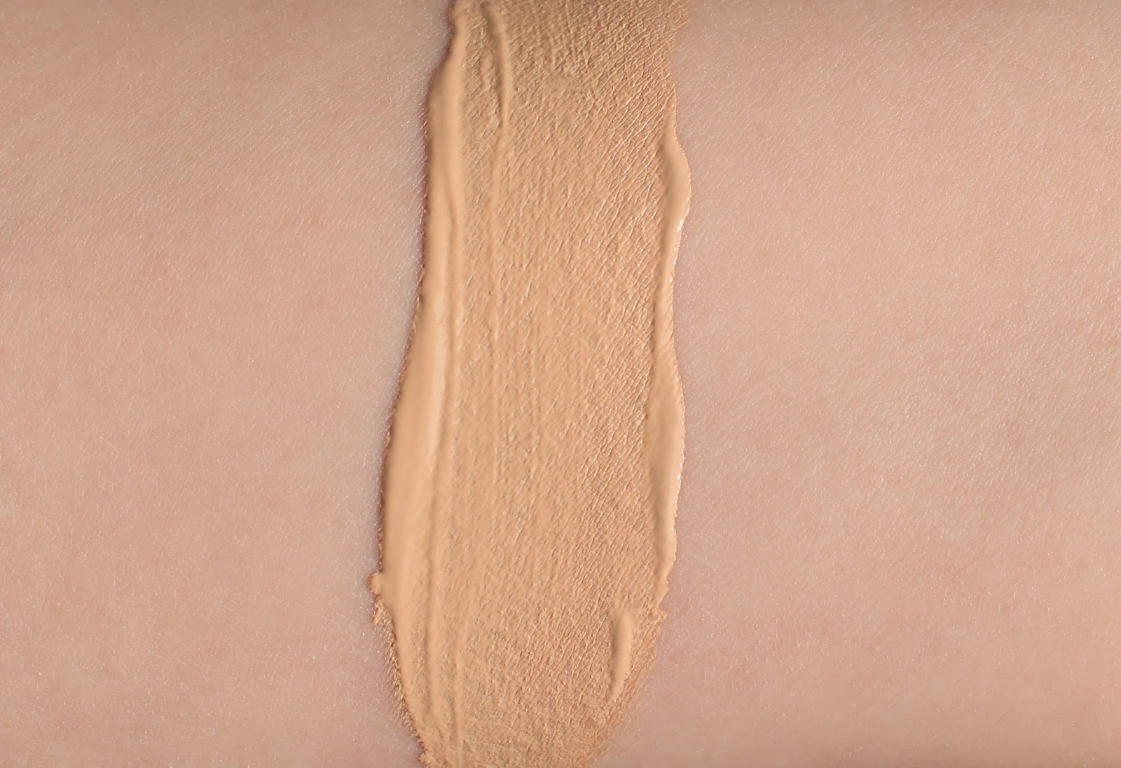 chanel les beiges healthy glow foundation no 20 review another kind of beauty blog f. Black Bedroom Furniture Sets. Home Design Ideas