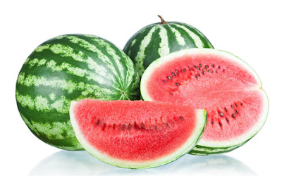 The presence of vitamin C, lycopene, carotene in watermelon makes it a powerful protector of the heart and blood vessels. As an antioxidant substance, they protect vessels from damaging free radicals, which can prevent infarction, stroke and atherosclerosis.