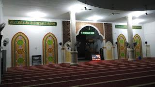tampak secara keseluruhan kaligrafi masjid besar al-muttaqin pangkalan kerinci kabupaten pelalawan riau, kaligrafi masjid pekanbaru, kaligrafi masjid riau, kaligrafi masjid kampar.