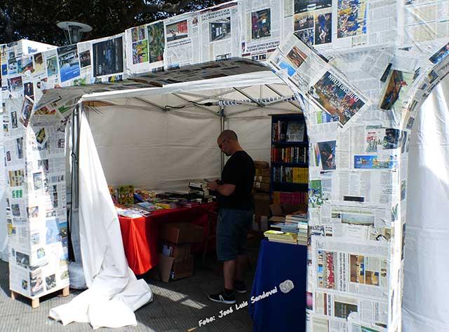 feria libro 2018 Las Palmas de Gran Canaria Entre papel de periódico